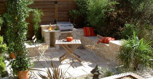 Une terrasse de jardin: un espace aménagé au cœur de votre jardin ...