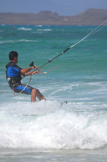 kite-surfing-421472_640