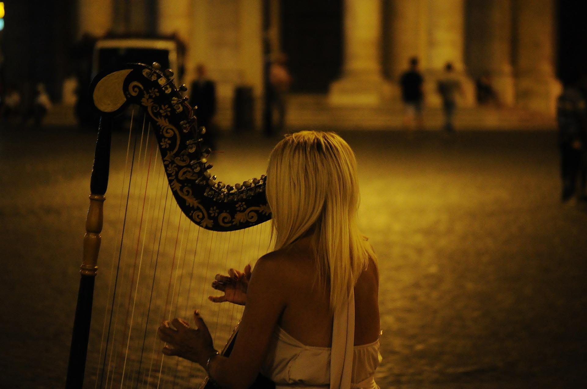 harp-384557_1920