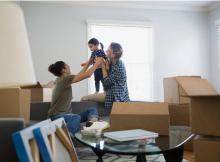 famille déménagement cartons