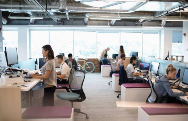 open-space-entreprise-bien-etre-tavail-posture-ergonomie-employés