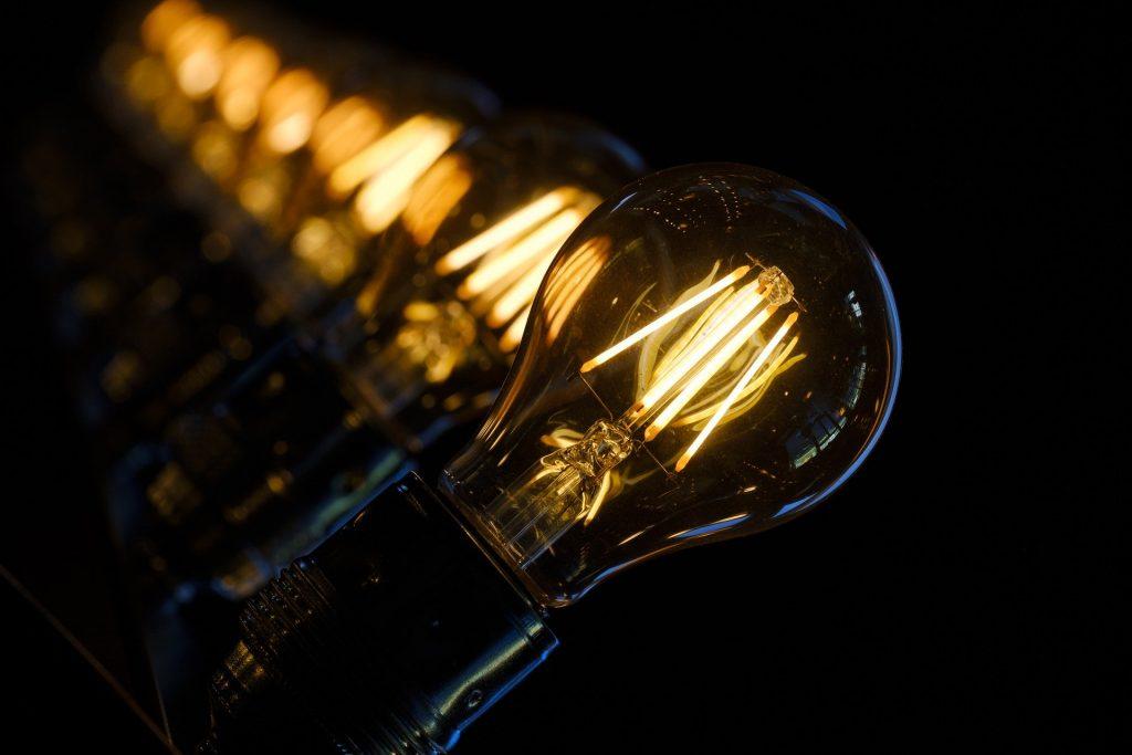 séries d'ampoules à filaments