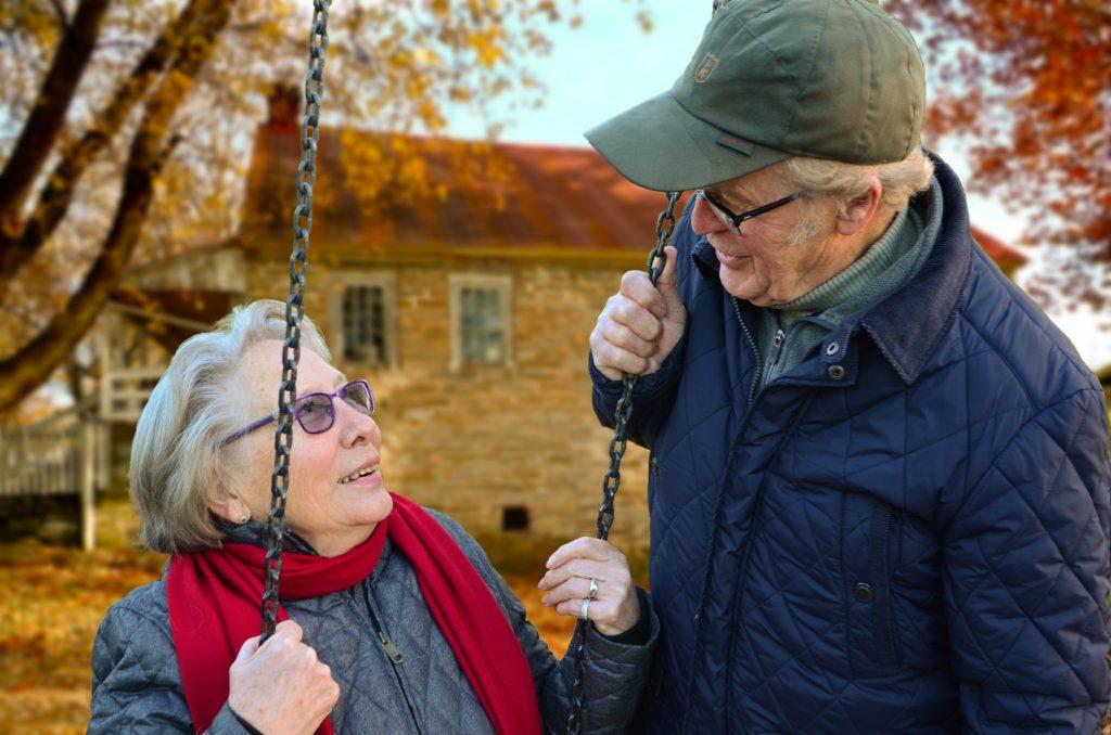 grand parents souriants